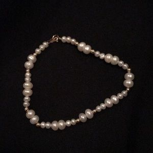 Dainty cultured pearl and gold bead bracelet